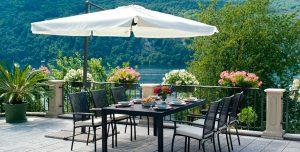 Muebles-exteriores-sombrilla-terraza
